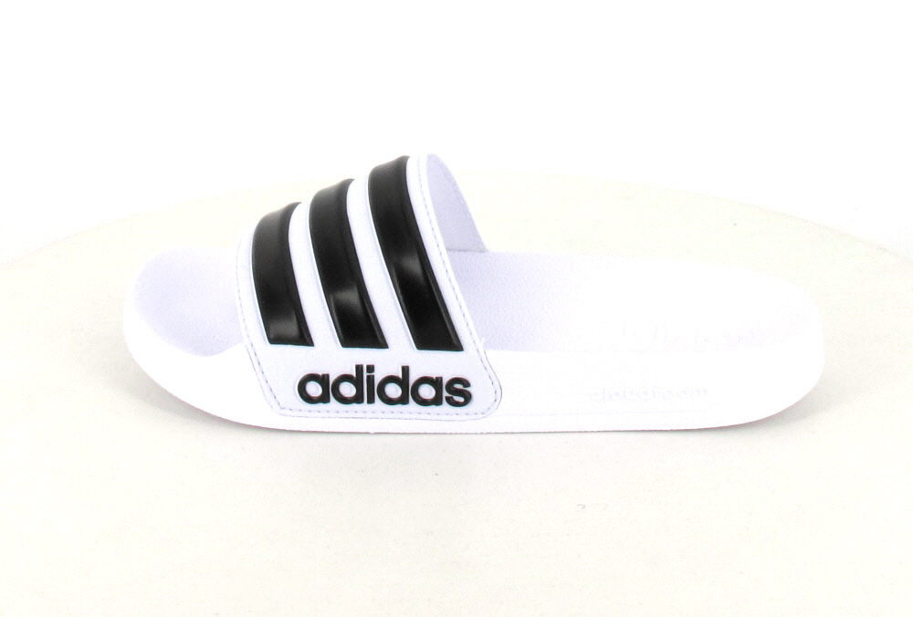 adidas  AQ1702
